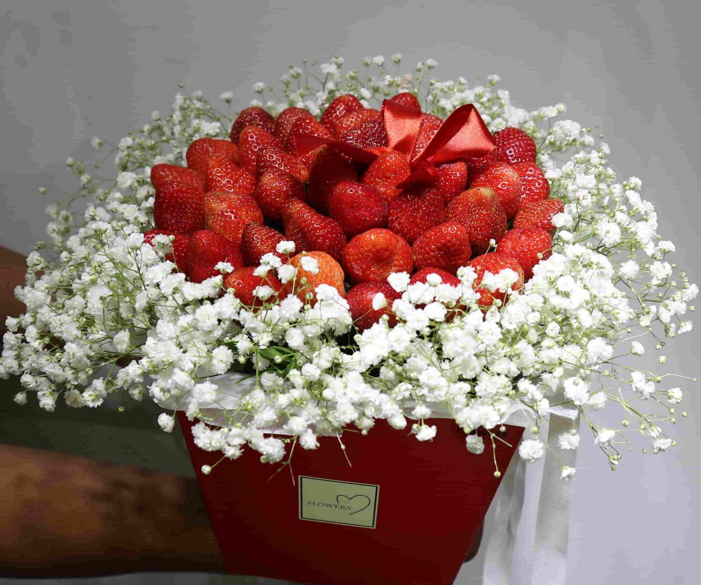 Hộp hoa dâu tây